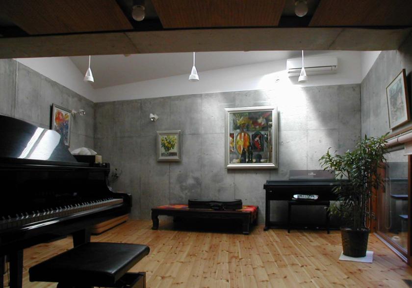 半地下の音楽スタジオ